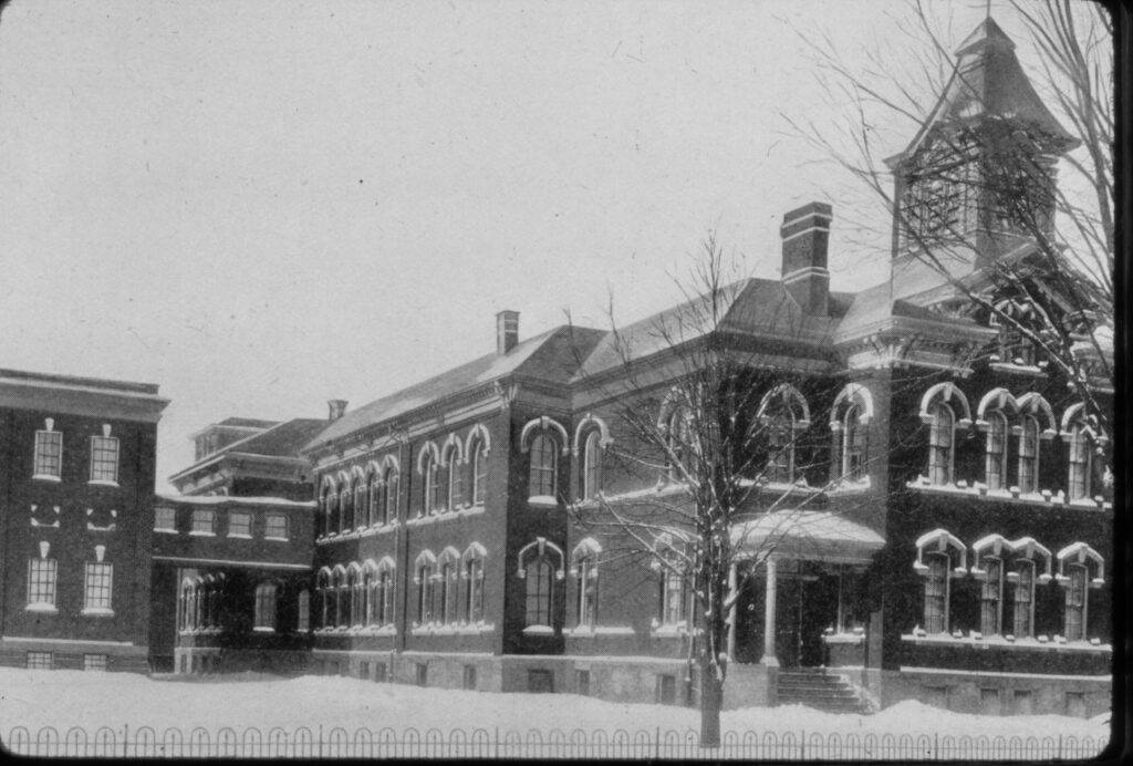 Woodstock Collegiate Institute, Early 1900's
